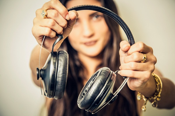 Cómo elegir el audífono ideal